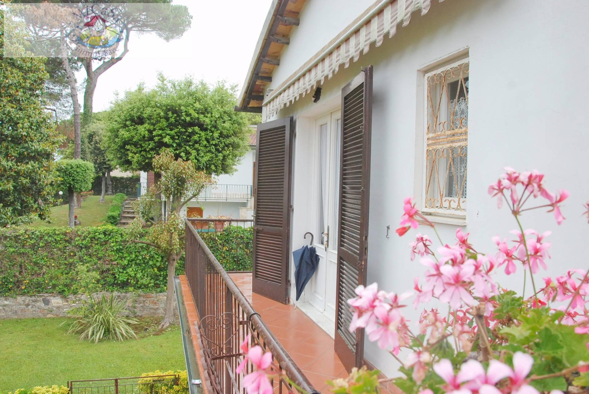 Appartamento in vendita a Pisa, 4 locali, zona Località: 1TIRRENIA, prezzo € 225.000 | CambioCasa.it