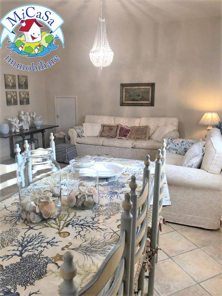 Appartamento in vendita a Pisa, 5 locali, zona Località: 1TIRRENIA, prezzo € 315.000 | CambioCasa.it