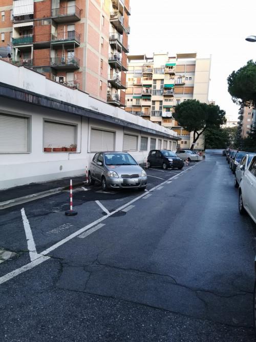 Posto auto scoperto in Vendita a Firenze