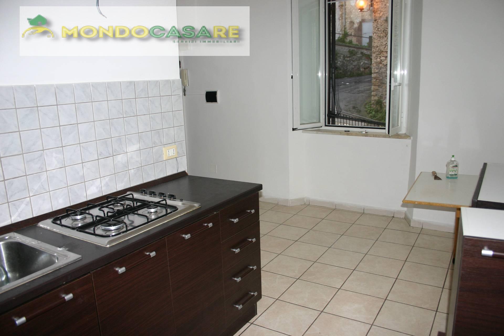 Appartamento in vendita a Palombara Sabina, 2 locali, prezzo € 36.000 | CambioCasa.it