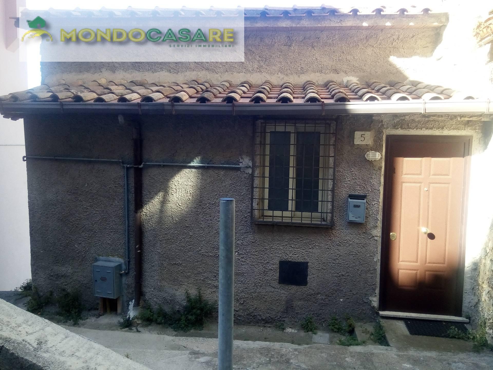 Appartamento in vendita a Moricone, 2 locali, prezzo € 40.000 | CambioCasa.it