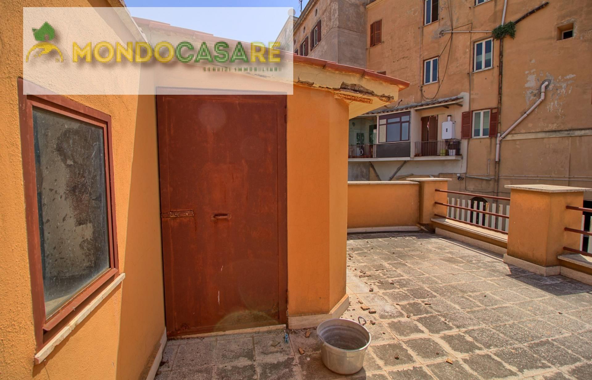 Appartamento in vendita a Palombara Sabina, 5 locali, prezzo € 99.000   CambioCasa.it
