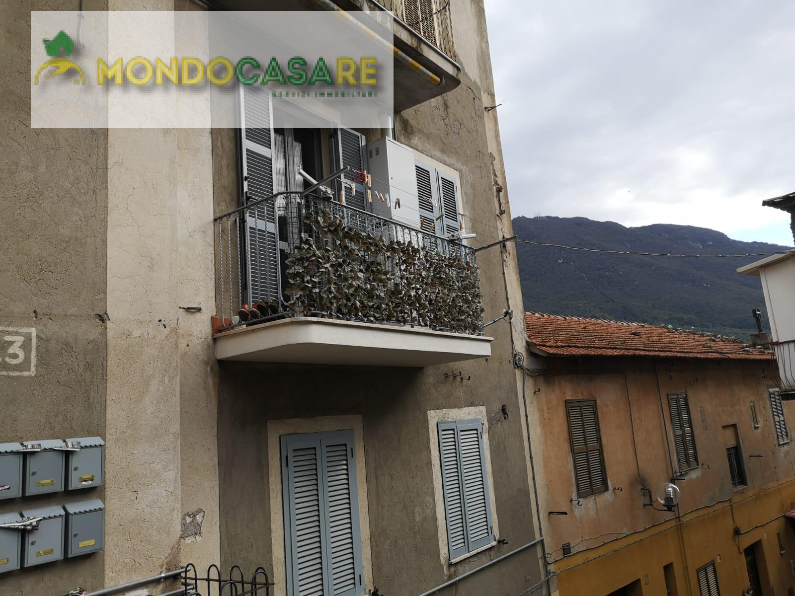Appartamento in vendita a Palombara Sabina, 3 locali, prezzo € 80.000   CambioCasa.it