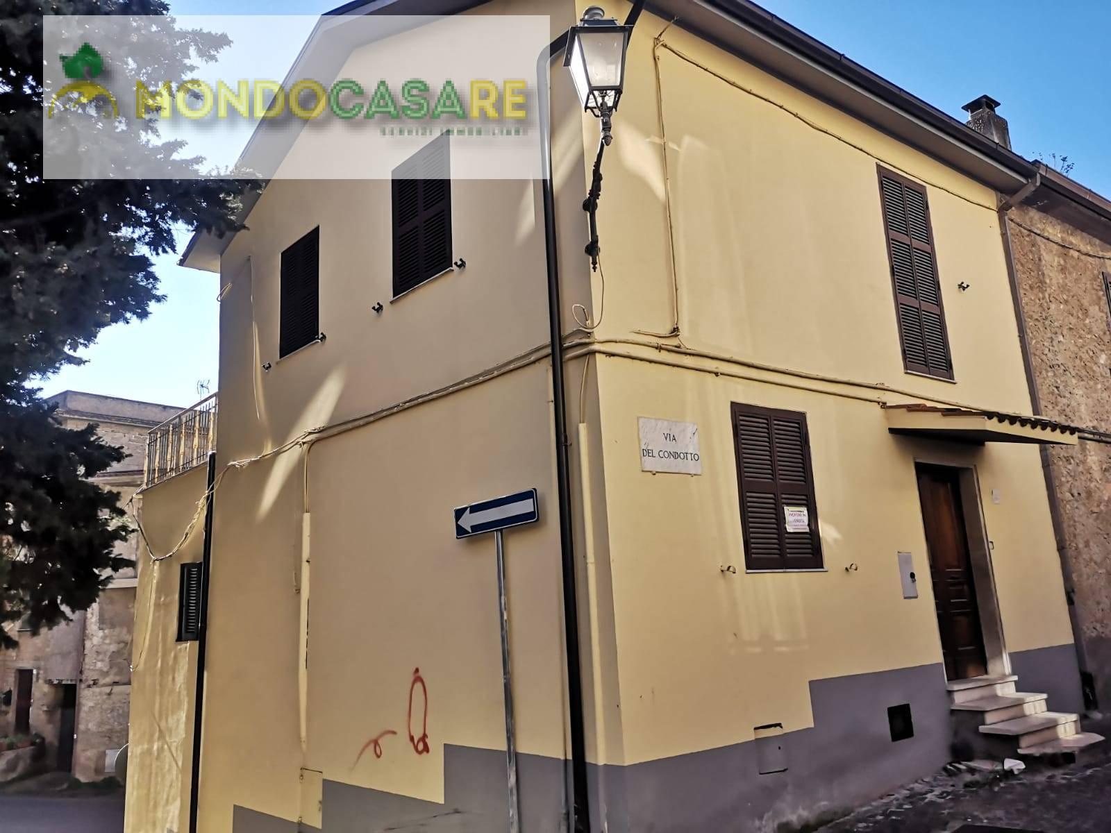 Appartamento in vendita a Moricone, 4 locali, prezzo € 53.000 | CambioCasa.it