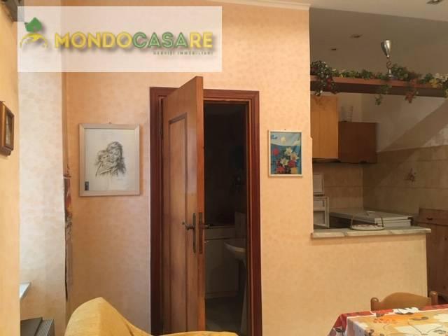 Appartamento in vendita a Palombara Sabina, 3 locali, prezzo € 53.000 | CambioCasa.it
