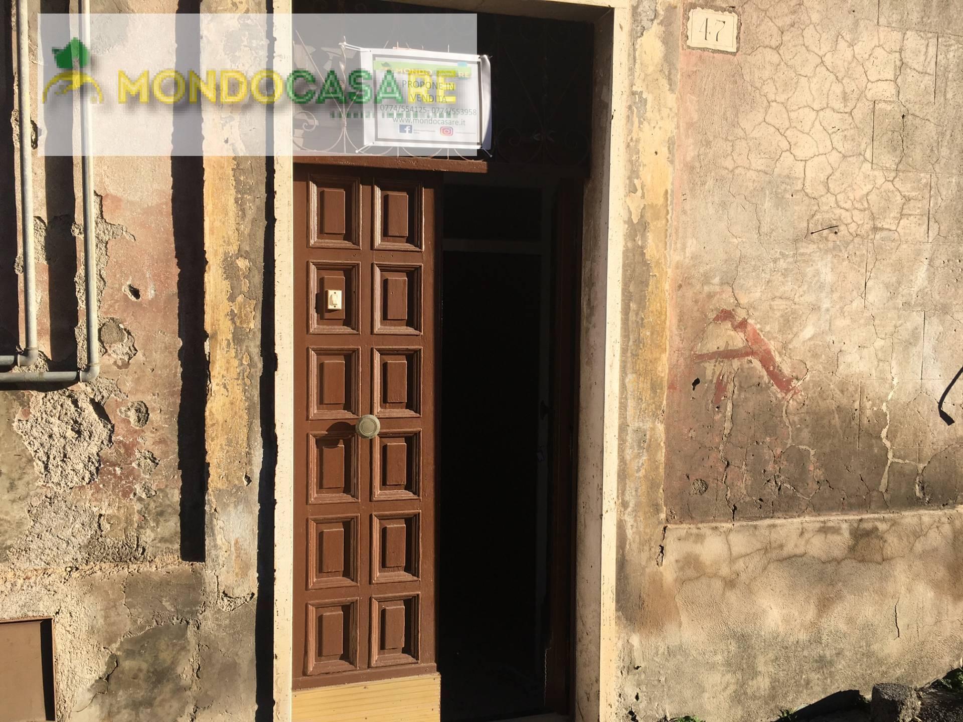 Appartamento in vendita a Palombara Sabina, 3 locali, zona Località: ZonaAPalombaraSabina, prezzo € 65.000 | CambioCasa.it