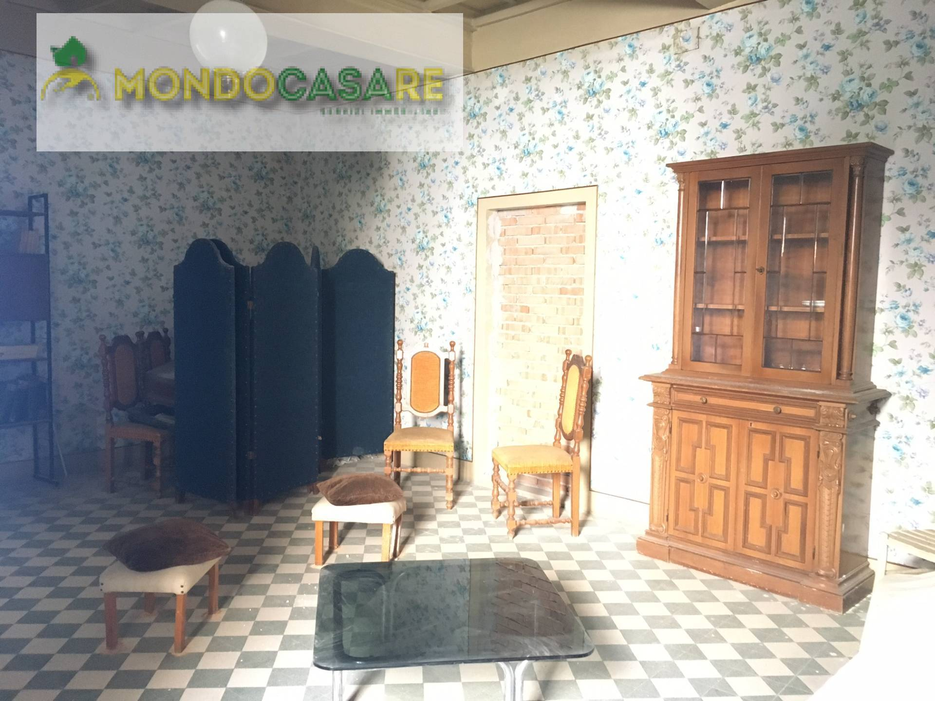 Appartamento in vendita a Palombara Sabina, 4 locali, prezzo € 75.000 | CambioCasa.it