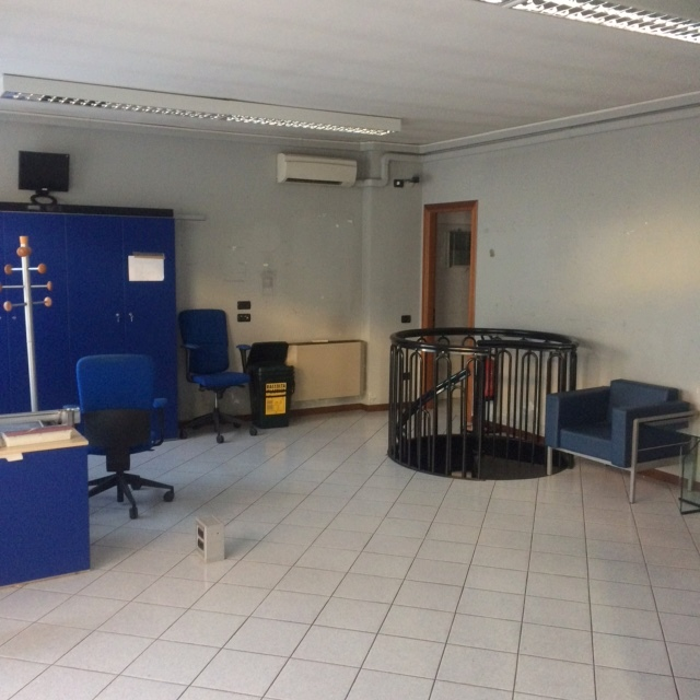 Ufficio / Studio in vendita a Trezzano Rosa, 9999 locali, prezzo € 145.000 | PortaleAgenzieImmobiliari.it