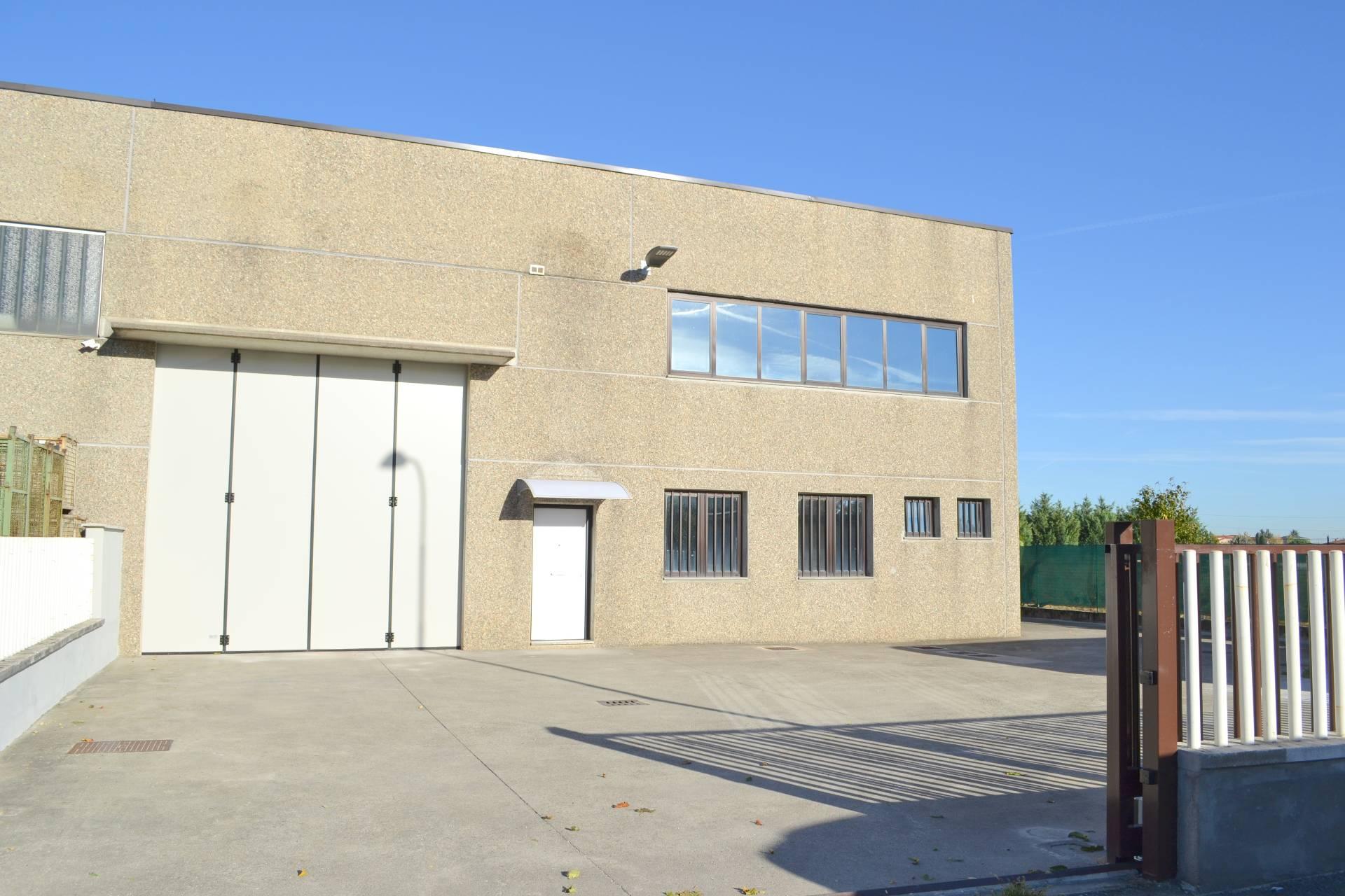 Capannone in vendita a Trezzano Rosa, 9999 locali, prezzo € 359.000 | PortaleAgenzieImmobiliari.it