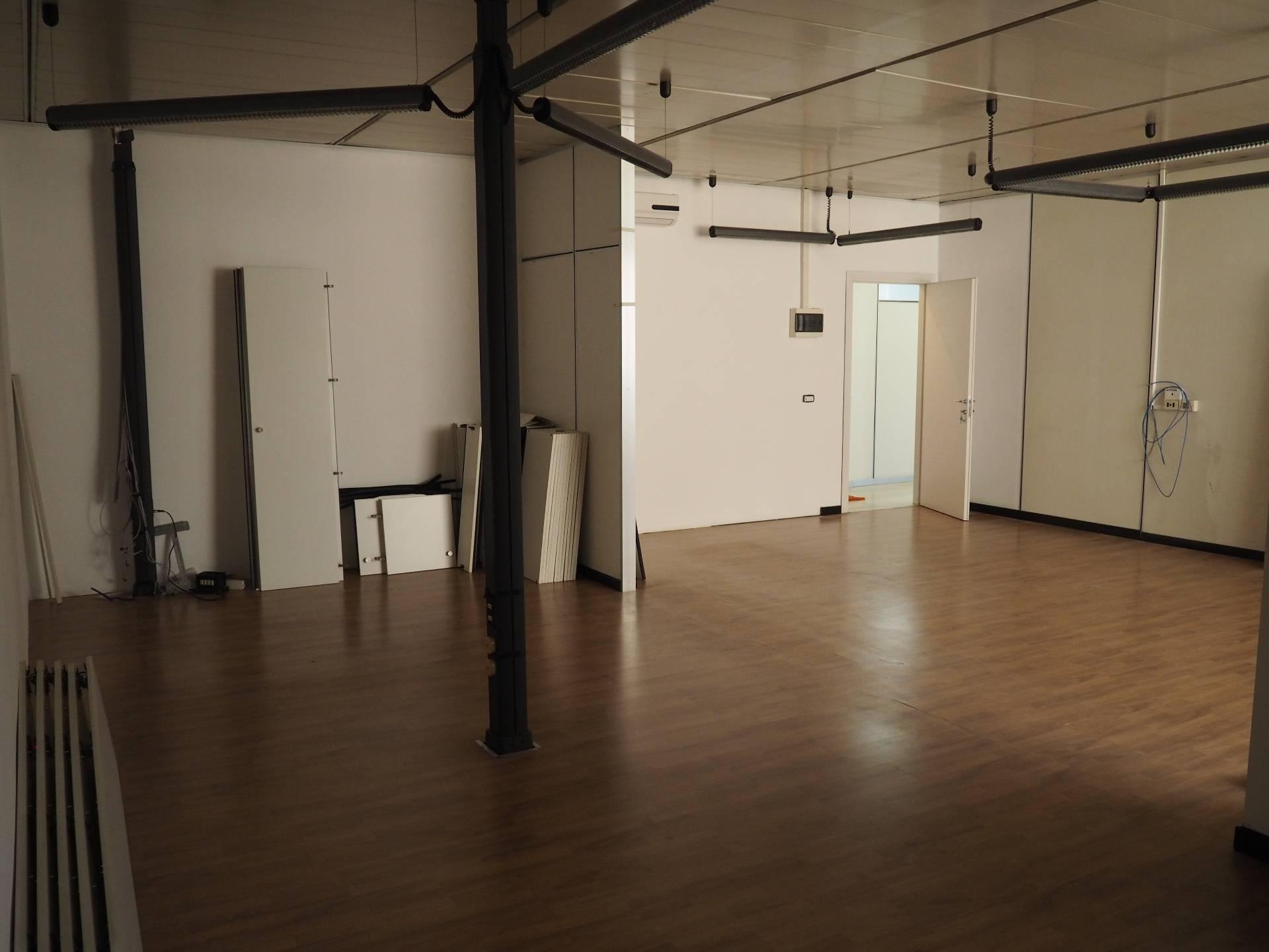 Ufficio / Studio in affitto a Trezzo sull'Adda, 9999 locali, prezzo € 300 | PortaleAgenzieImmobiliari.it