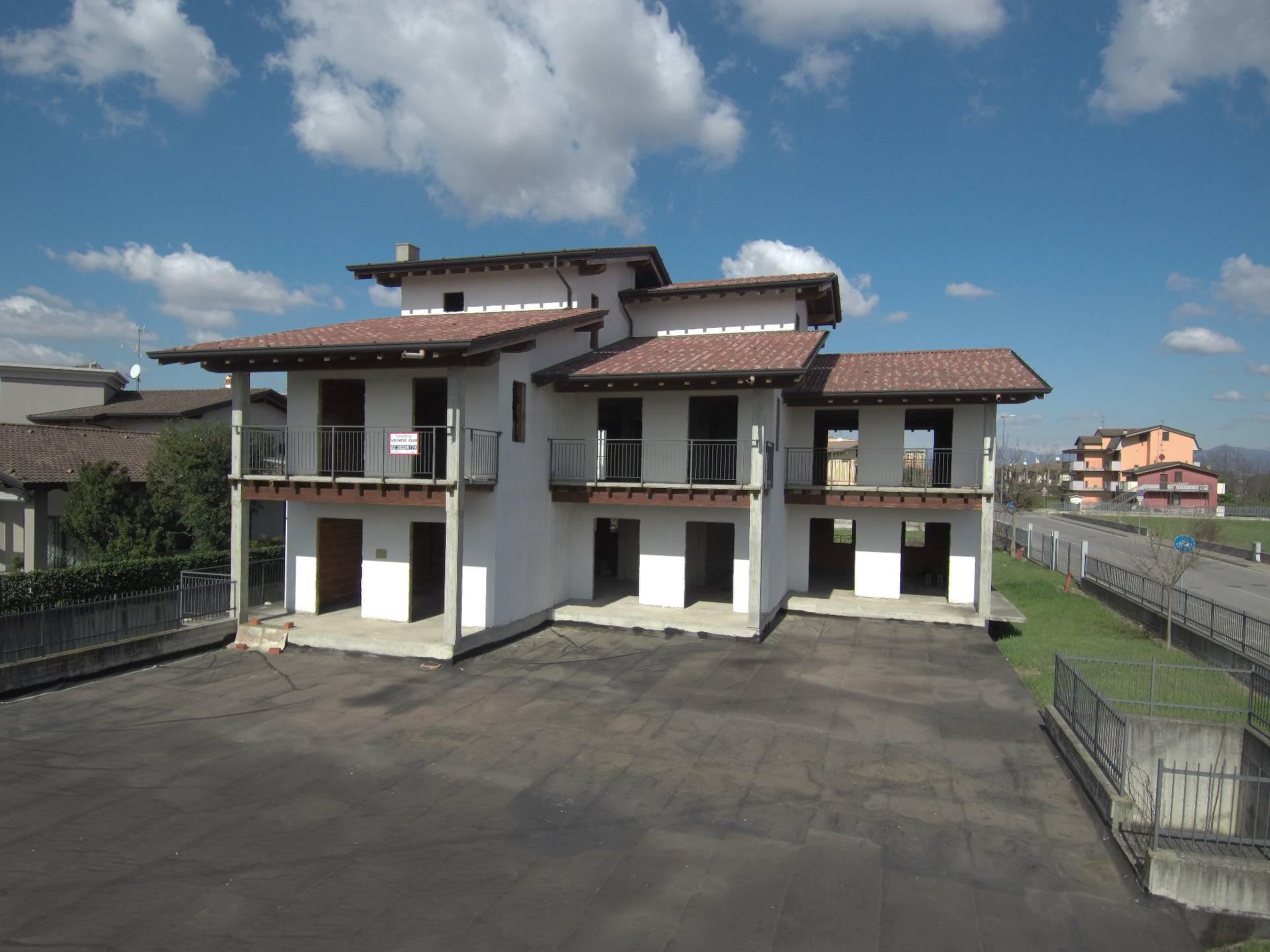 Vendita Palazzo/Palazzina/Stabile Casa/Villa Ciserano 143166