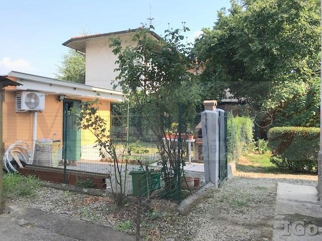 Appartamento in vendita a Arcene, 3 locali, prezzo € 75.000 | CambioCasa.it