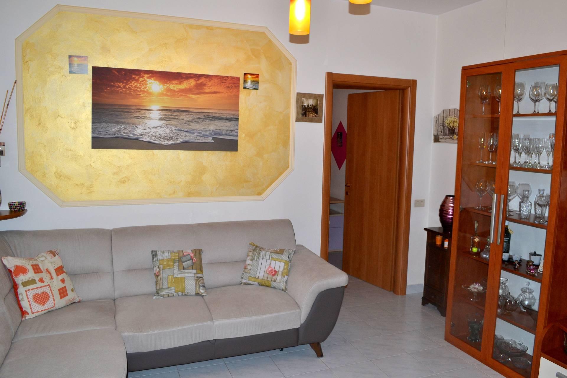 Appartamento in vendita a Canonica d'Adda, 3 locali, prezzo € 85.000   CambioCasa.it