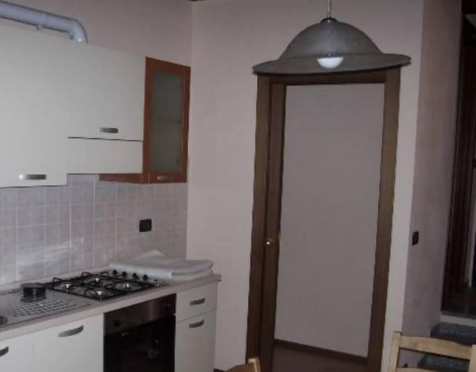 Appartamento in vendita a Cornate d'Adda, 2 locali, zona ago, prezzo € 95.000 | PortaleAgenzieImmobiliari.it