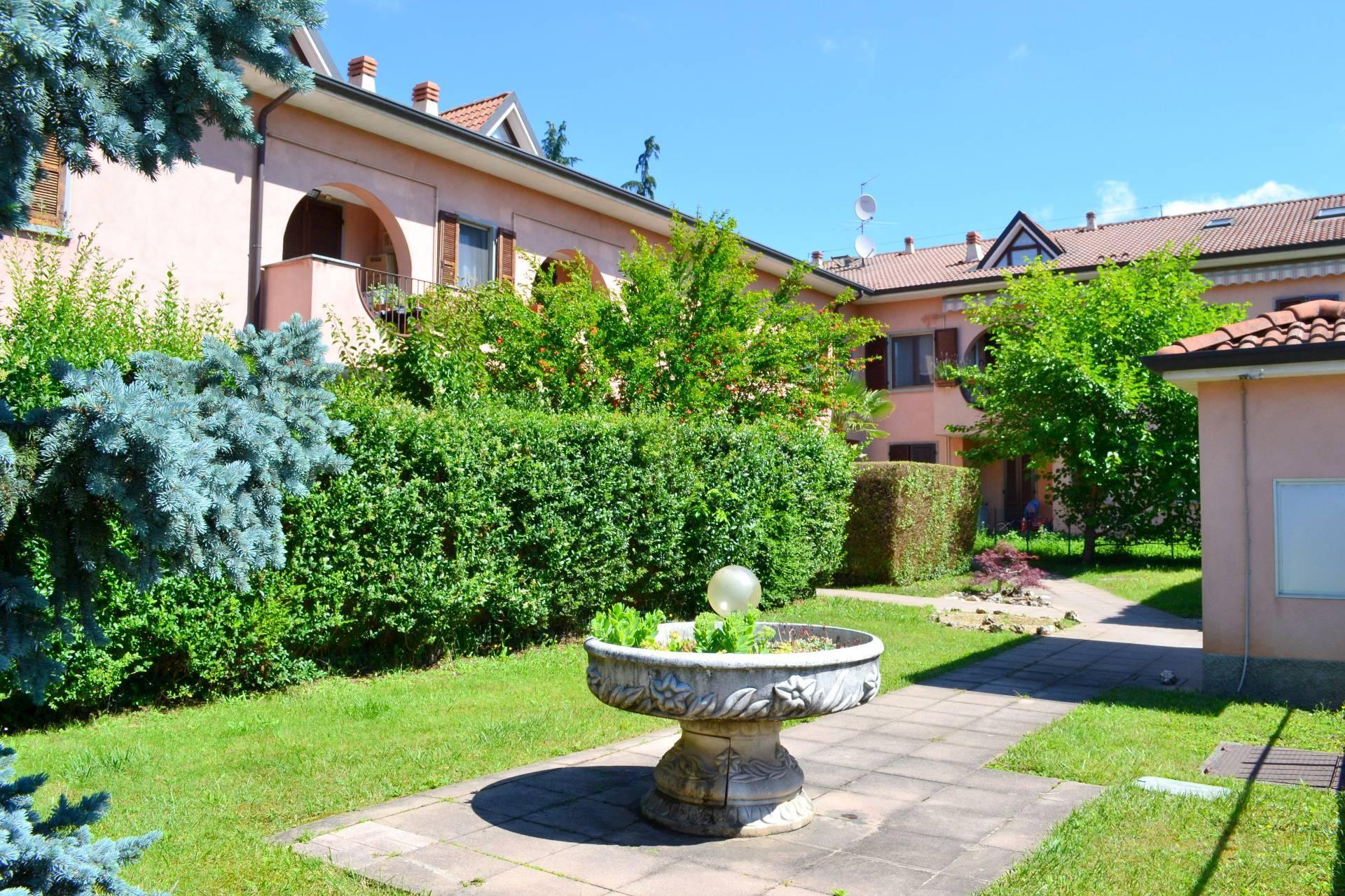 Attico / Mansarda in vendita a Trezzano Rosa, 2 locali, prezzo € 97.000   PortaleAgenzieImmobiliari.it