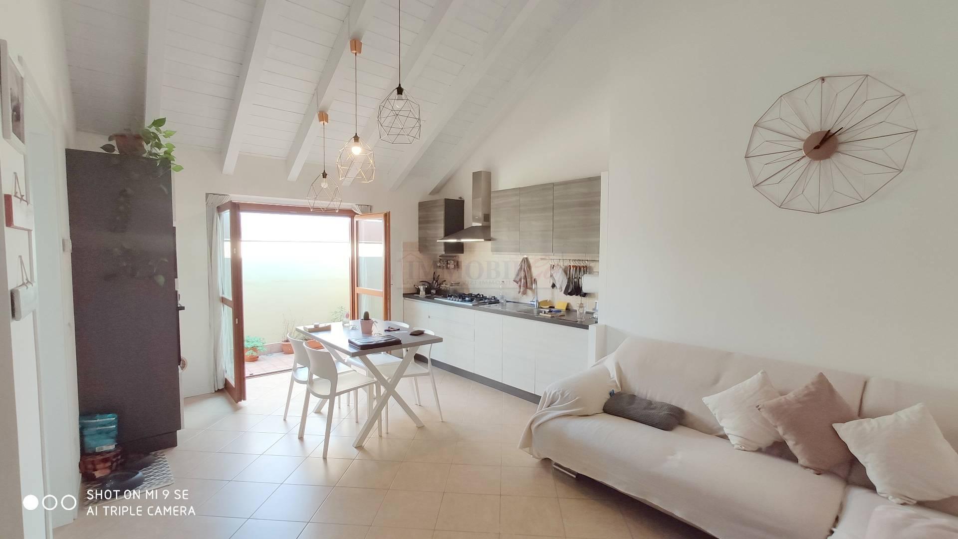 Appartamento in vendita a Roncello, 3 locali, prezzo € 130.000 | CambioCasa.it