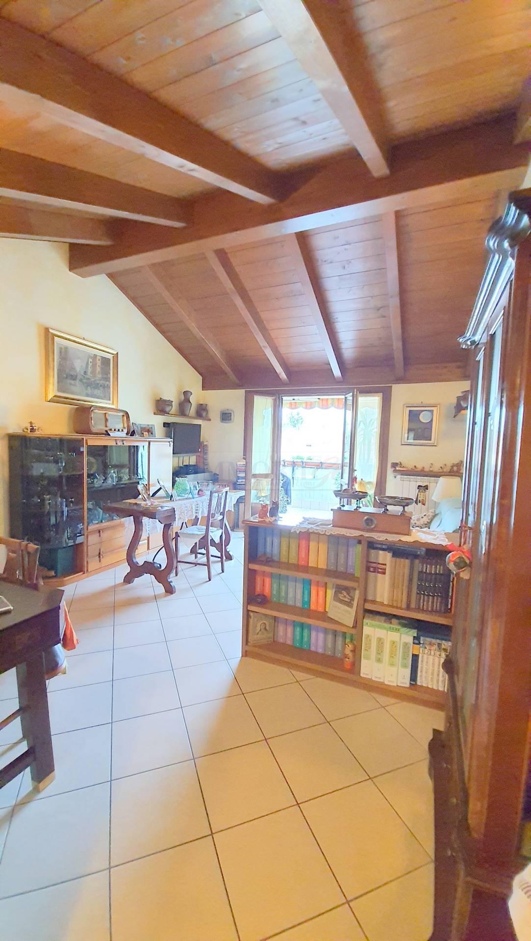 Appartamento in vendita a Ornago, 3 locali, prezzo € 195.000 | PortaleAgenzieImmobiliari.it