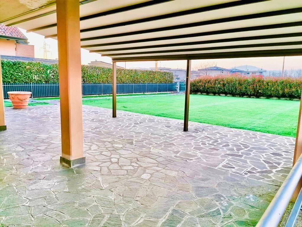 Villa in vendita a Comun Nuovo, 4 locali, prezzo € 339.000 | CambioCasa.it