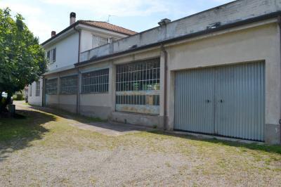 magazzino in Vendita a Canonica d'Adda