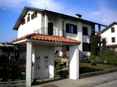 Villa Bifamiliare in Vendita a Capriate San Gervasio