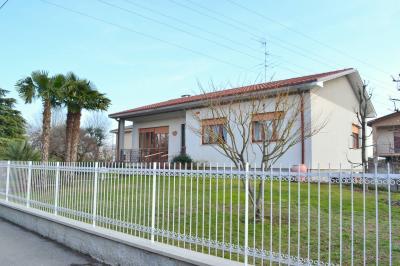 Villa Singola in Vendita a Capriate San Gervasio