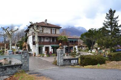 Villa Bifamiliare in Vendita a Gera Lario