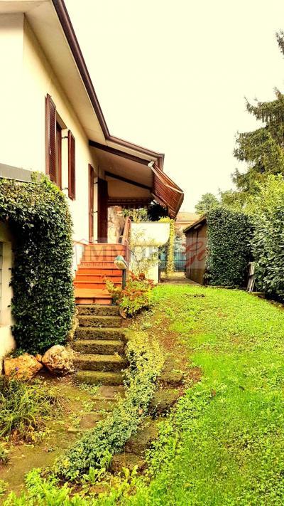 Villa Singola in Vendita a Busnago