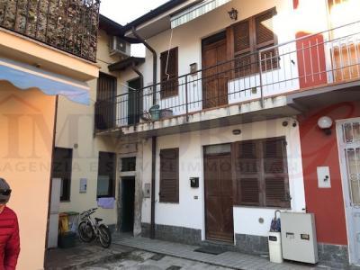 Casa indipendente in Vendita a Trezzano Rosa