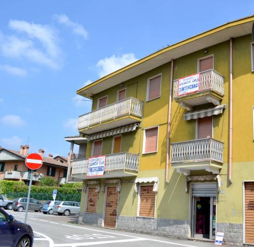 Stabile / Palazzo in Vendita a Suisio