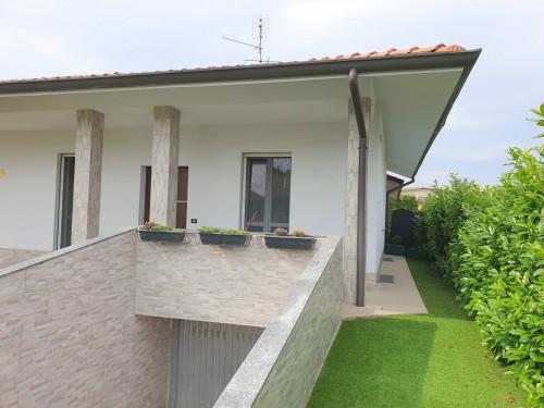 Villa Bifamiliare in Vendita a Busnago