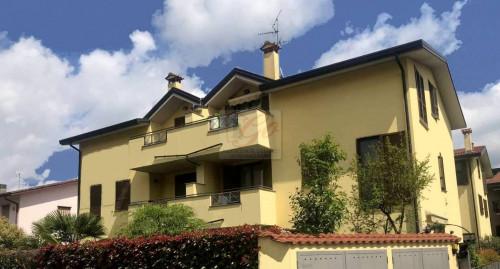 Porzione villa in Vendita a Cornate d'Adda