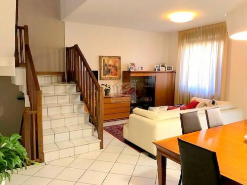 Villa Bifamiliare in Vendita a Osio Sotto