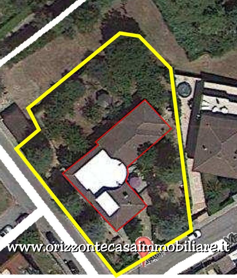 Villa in vendita a Folignano, 18 locali, Trattative riservate | CambioCasa.it