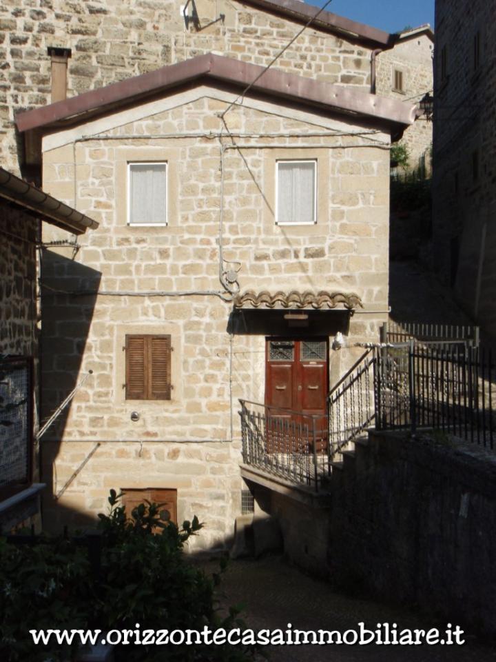 Appartamento in vendita a Montegallo, 7 locali, prezzo € 55.000 | CambioCasa.it