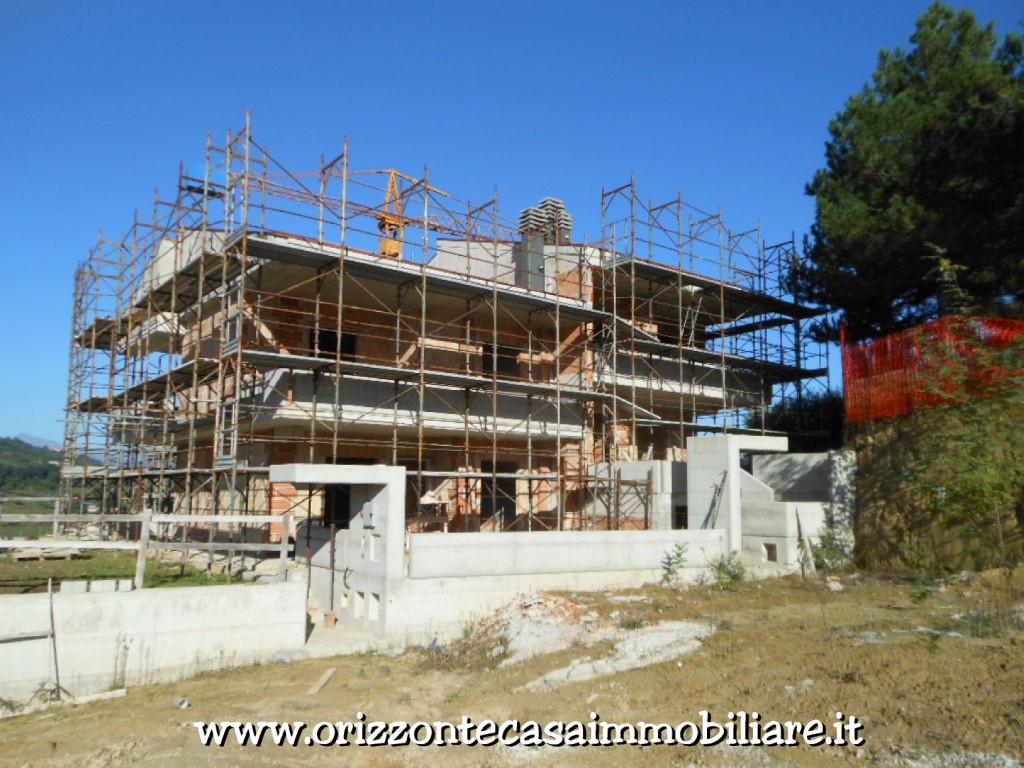 Villa Bifamiliare in vendita a Folignano, 9 locali, zona Località: VillaPigna, prezzo € 330.000 | CambioCasa.it