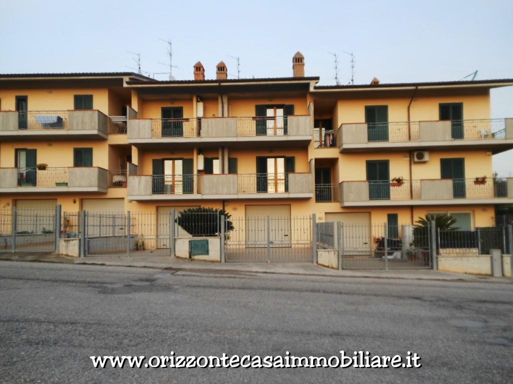 Villa a Schiera in vendita a Castel di Lama, 14 locali, zona Zona: Piattoni, Trattative riservate | CambioCasa.it