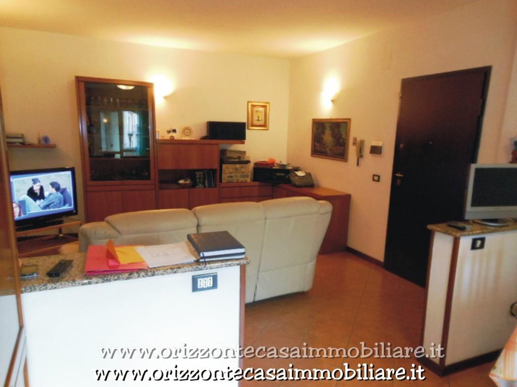 Appartamento in vendita a Venarotta, 5 locali, prezzo € 93.000 | CambioCasa.it
