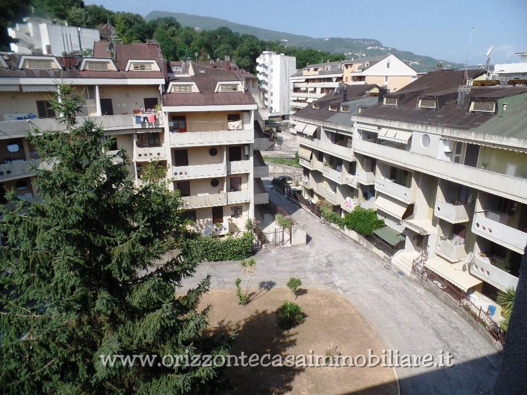 Appartamento in vendita a Folignano, 6 locali, zona Località: VillaPigna, prezzo € 79.000 | CambioCasa.it