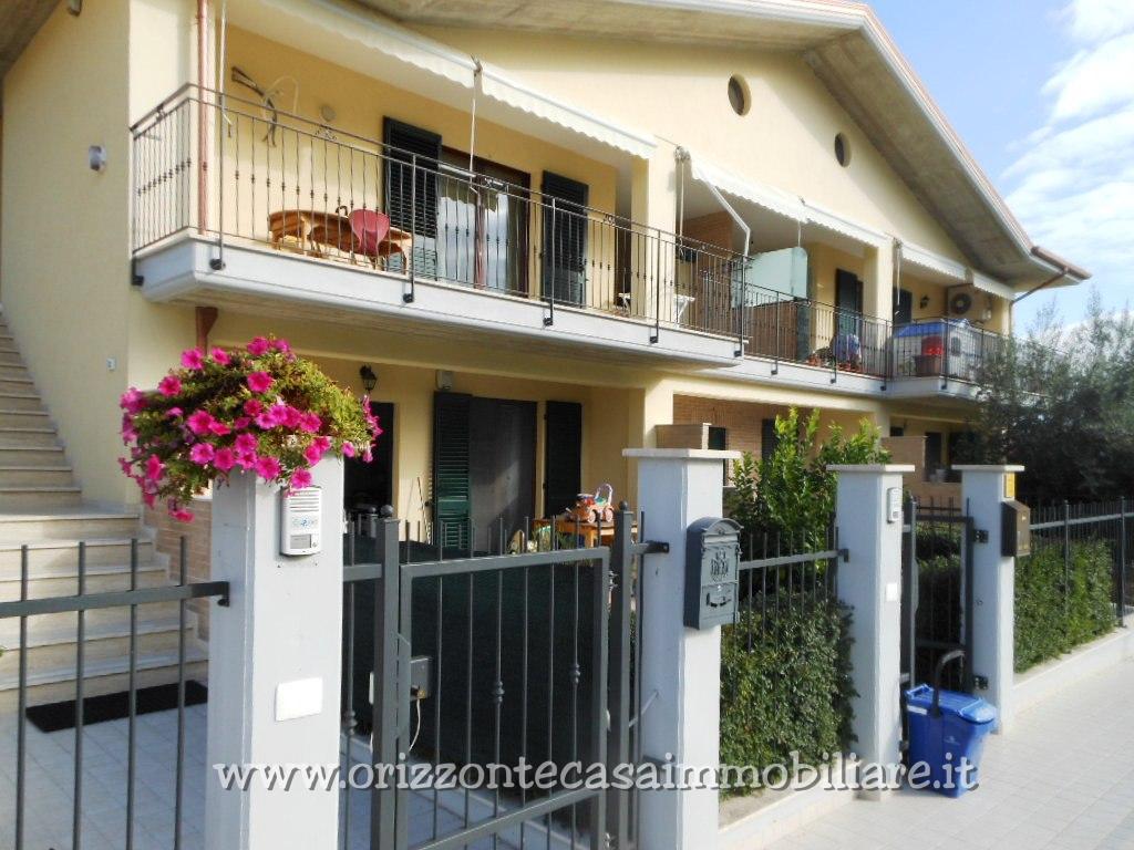 Appartamento in vendita a Maltignano, 7 locali, prezzo € 149.000 | CambioCasa.it