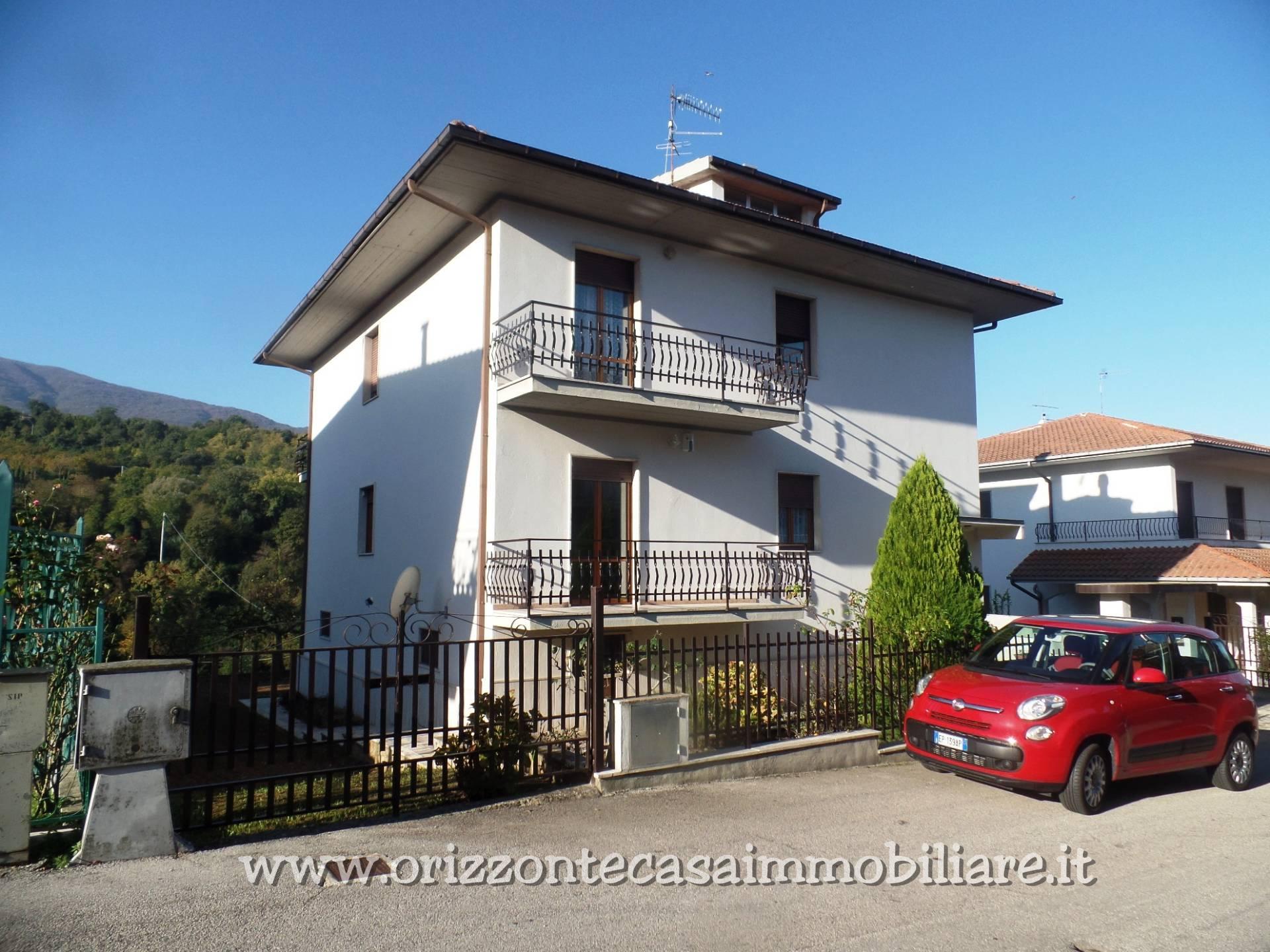 Soluzione Indipendente in vendita a Folignano, 30 locali, prezzo € 290.000 | CambioCasa.it