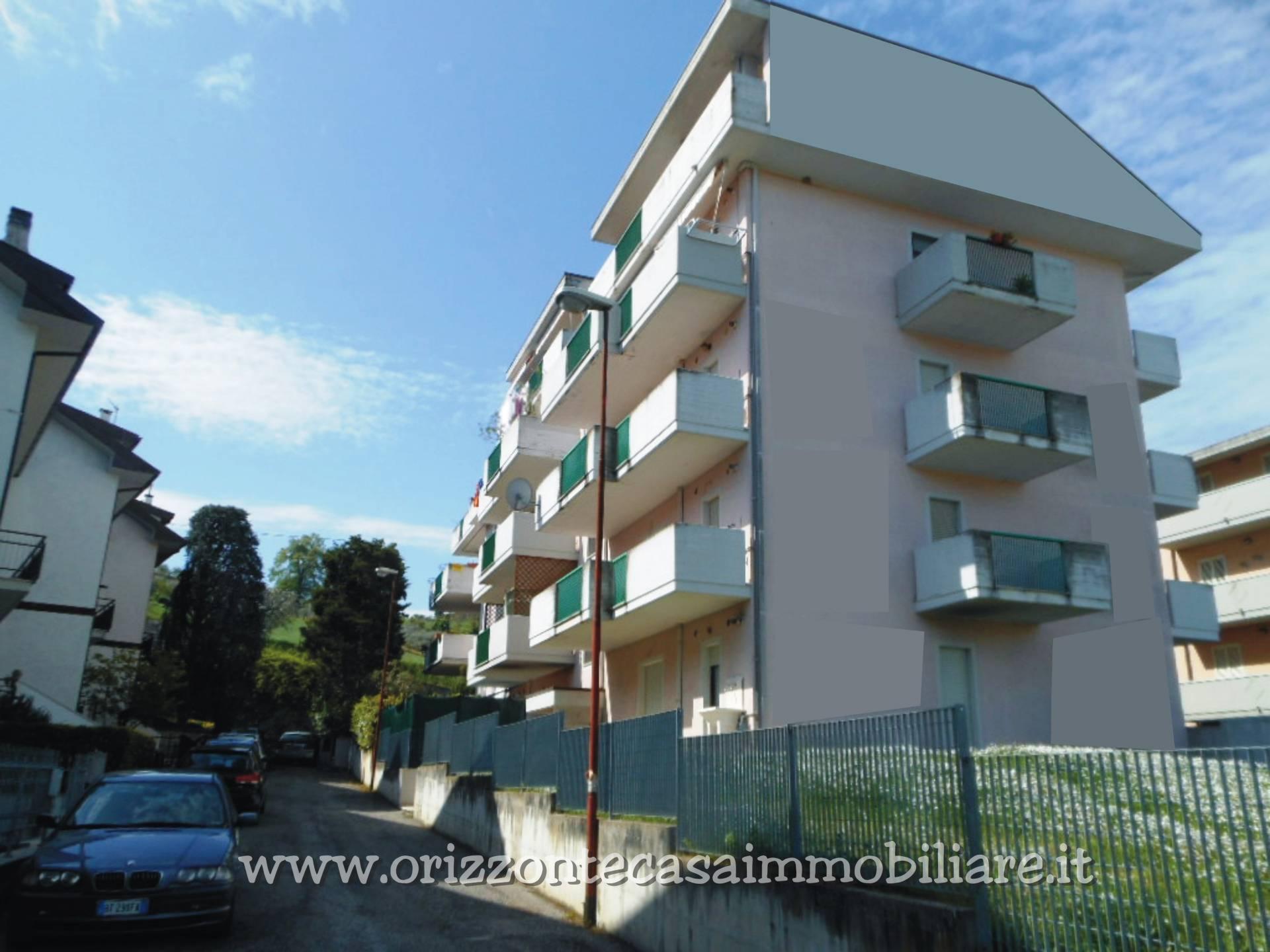 Appartamento in vendita a Venarotta, 6 locali, prezzo € 74.000 | CambioCasa.it