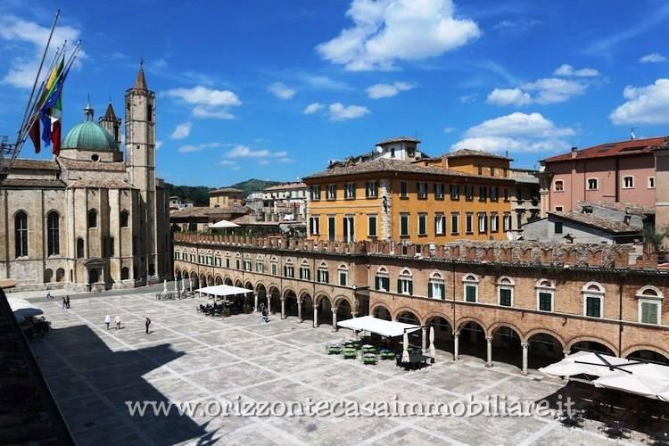 Attività / Licenza in affitto a Ascoli Piceno, 9999 locali, zona Località: CentroStorico, prezzo € 90.000 | CambioCasa.it