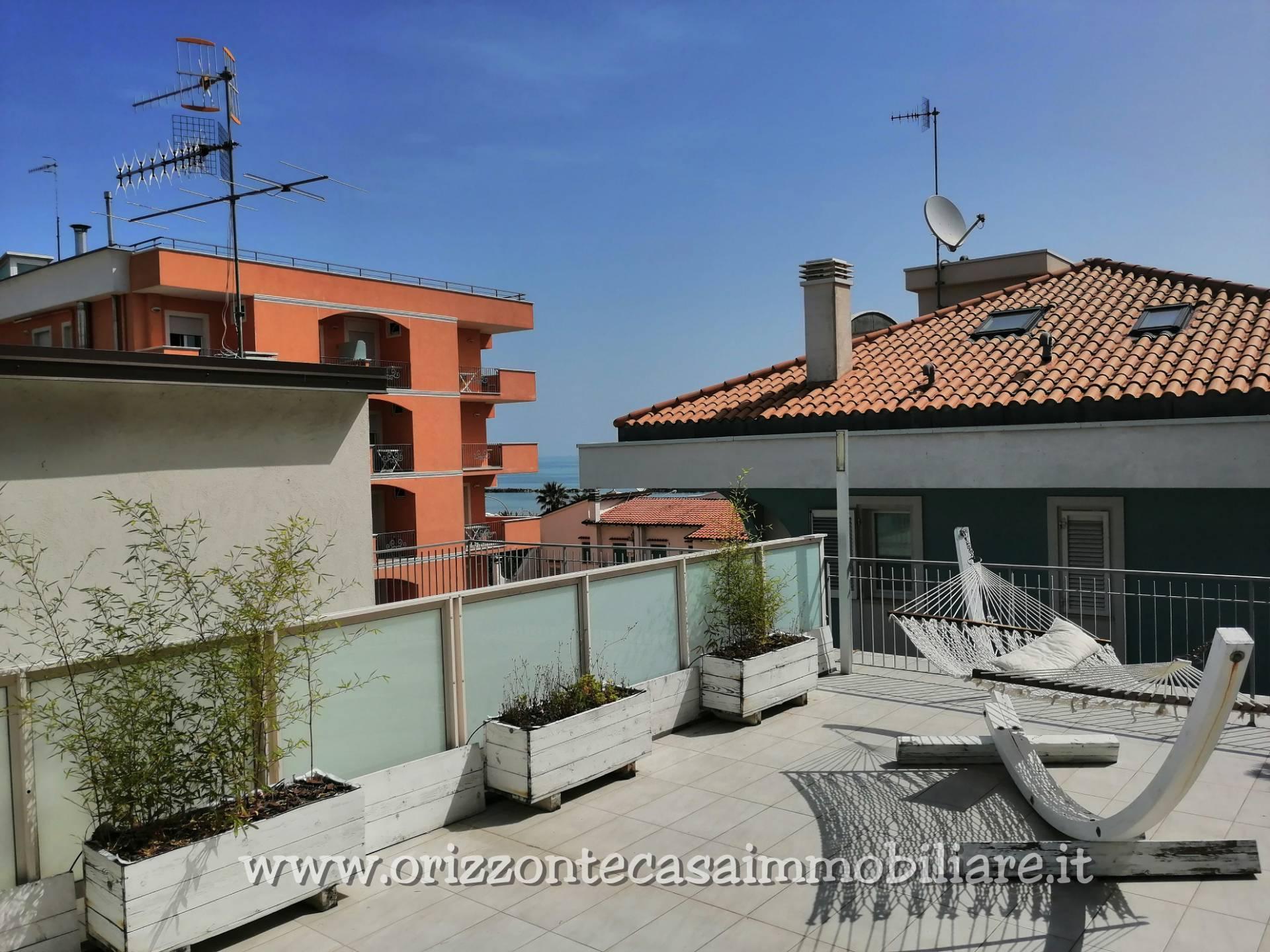 Attico / Mansarda in vendita a San Benedetto del Tronto, 4 locali, zona Località: PortodAscoli, prezzo € 299.000 | PortaleAgenzieImmobiliari.it