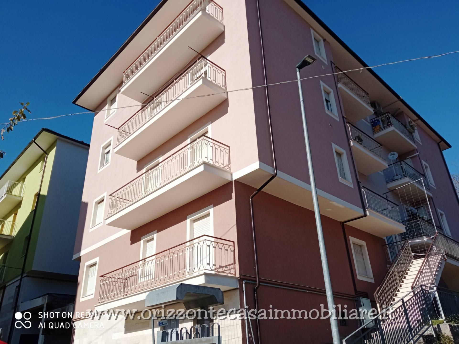 Appartamento in vendita a Roccafluvione, 5 locali, prezzo € 65.000 | CambioCasa.it