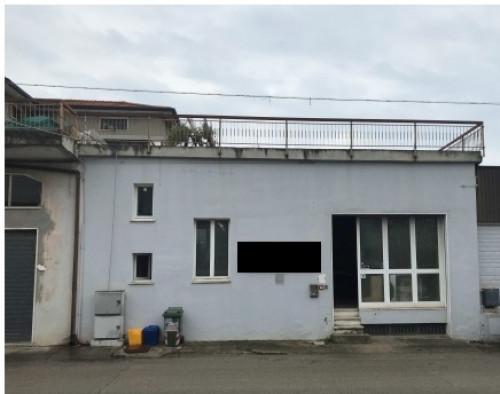 Locale artigianale/laboratorio in Vendita a Monsampolo del Tronto