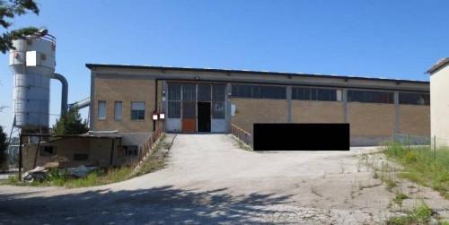 Locale artigianale/laboratorio in Vendita a Fermo