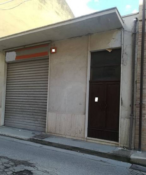 Locale artigianale/laboratorio in Vendita a Porto Sant'Elpidio