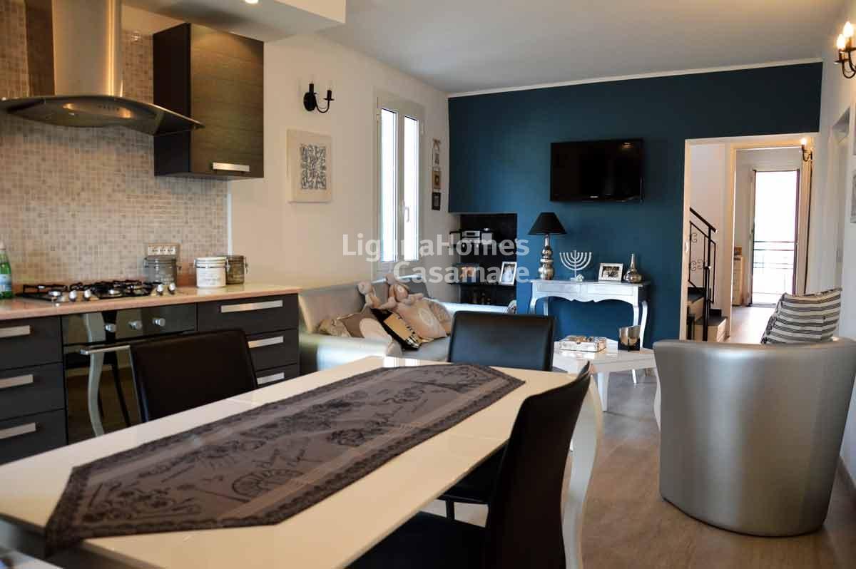 Appartamento in vendita a Vallebona, 5 locali, prezzo € 250.000 | CambioCasa.it