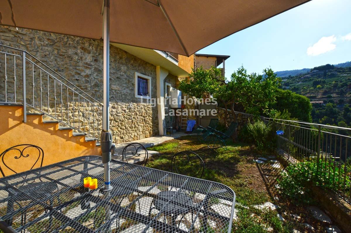 Appartamento in vendita a Vallebona, 7 locali, prezzo € 330.000 | CambioCasa.it