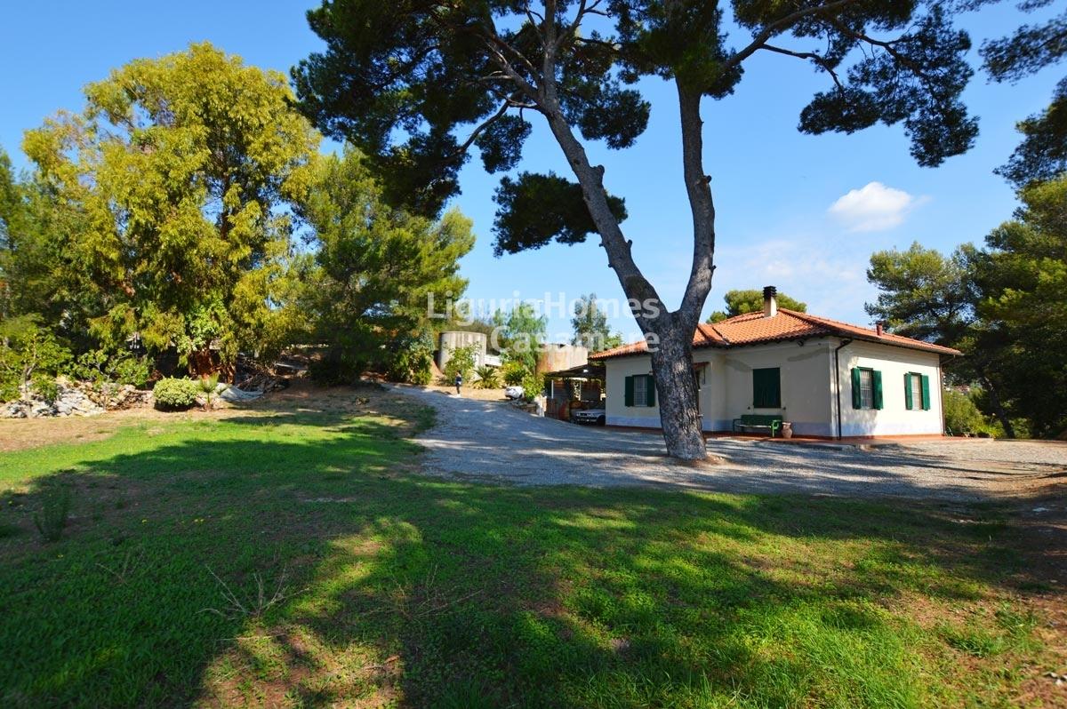Villa in vendita a Vallebona, 6 locali, prezzo € 320.000 | CambioCasa.it